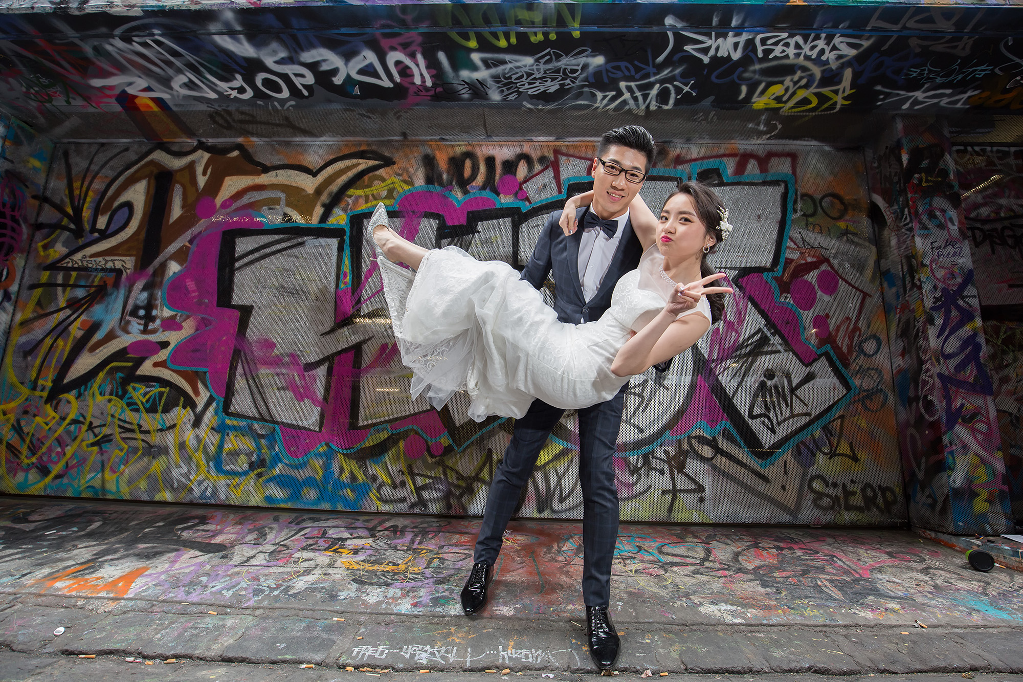 墨尔本婚纱摄影取景于City涂鸦街