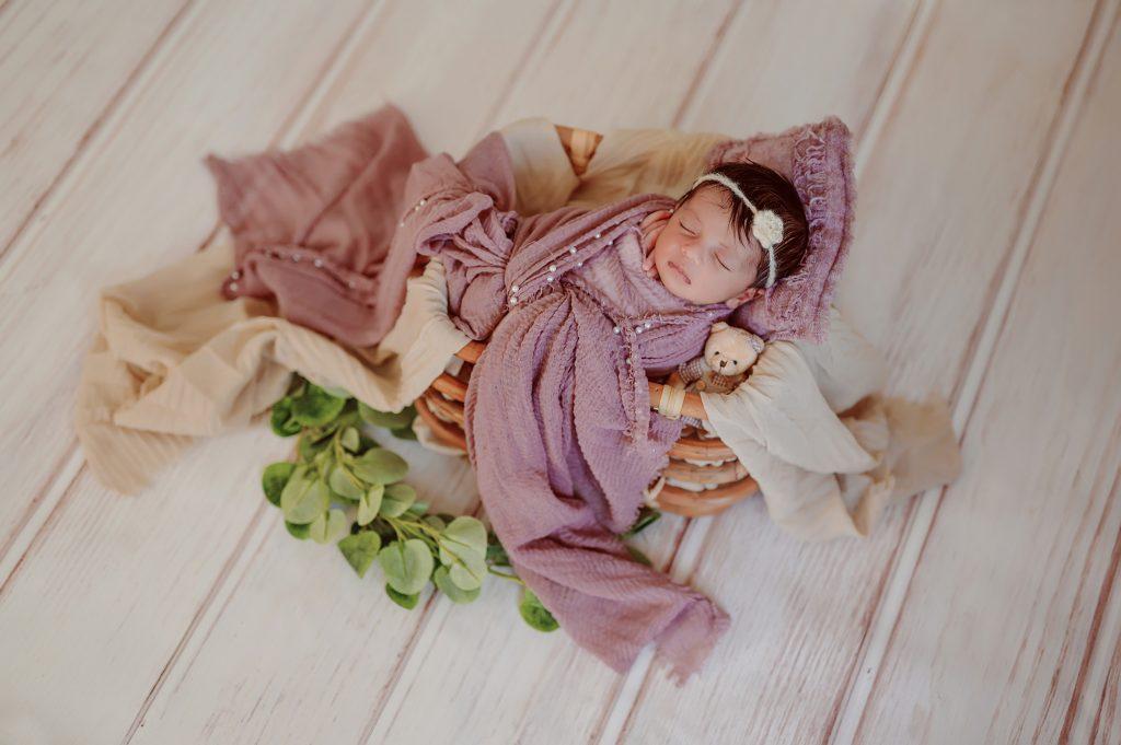 displaying newborn photography 3